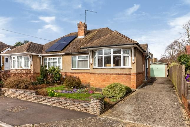 2 bed bungalow for sale in Traherne Close, Hitchin, Herts, England SG4