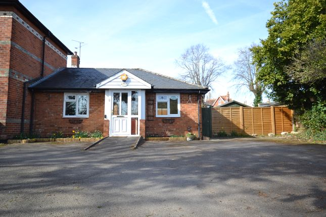 Thumbnail Detached bungalow to rent in Coley Avenue, Reading