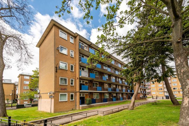 Thumbnail Flat for sale in Kingswood Estate, West Dulwich, London