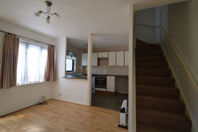 Thumbnail Flat to rent in Winifred Road, Erith