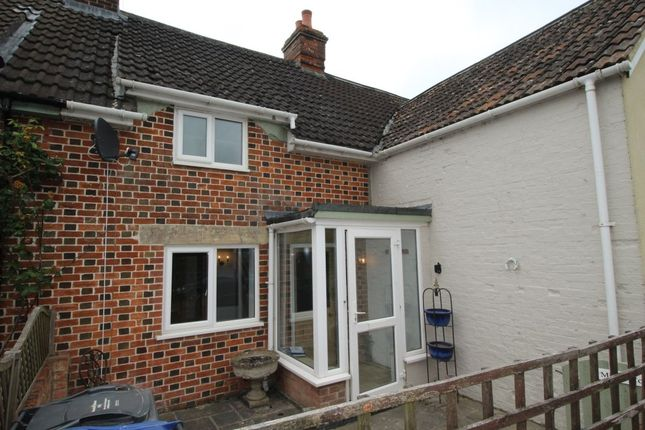 Thumbnail Terraced house to rent in Heddington, Calne