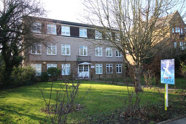 Thumbnail Flat for sale in Newminster Court, The Ridgeway, Enfield