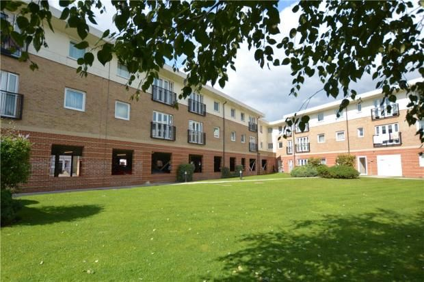 2 bed flat for sale in Connaught Heights, Uxbridge Road, Uxbridge