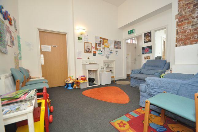 Thumbnail Office to let in Leeds Place, Tollington Park, London