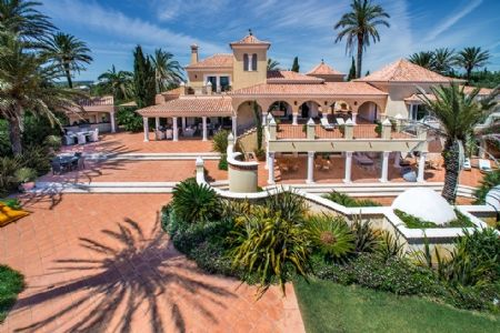 Thumbnail Villa for sale in Praia Da Luz, Western Algarve, Portugal