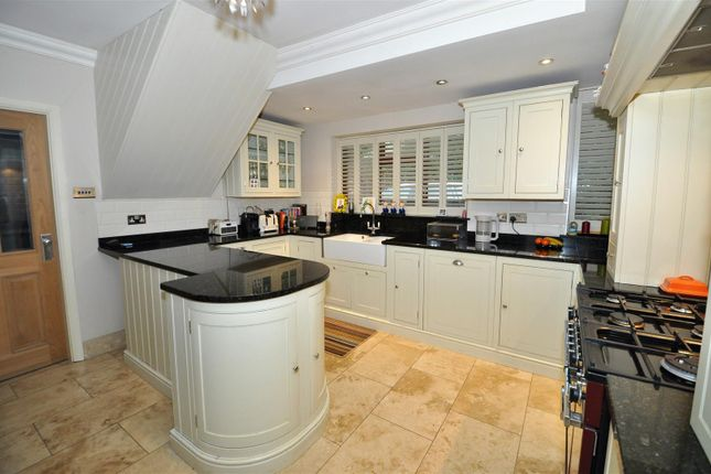 Thumbnail Semi-detached house for sale in Davenport Road, Earlsdon, Coventry