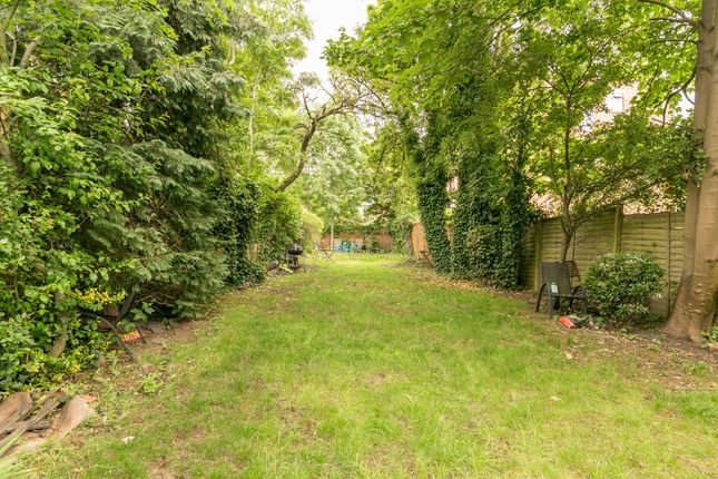 2 bed duplex to rent in Minster Road, London