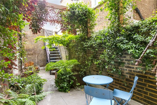 Picture No. 09 of Petersham Mews, London SW7