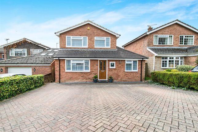 Thumbnail Detached house for sale in Kingfisher Close, Kempshott, Basingstoke