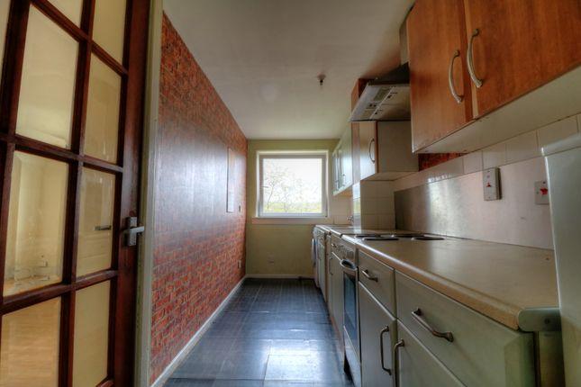 3 Greenrig Kitchen 2