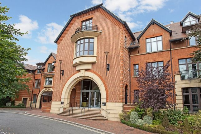 Thumbnail Flat to rent in Perpetual House, Station Road, Henley-On-Thames