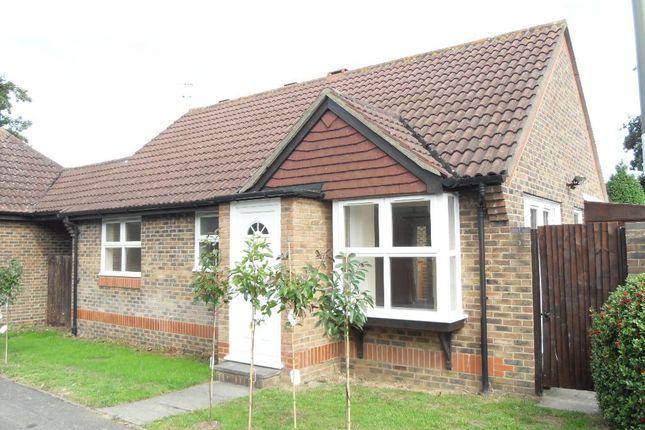 2 bed detached bungalow to rent in Weylea Avenue, Burpham, Guildford GU4
