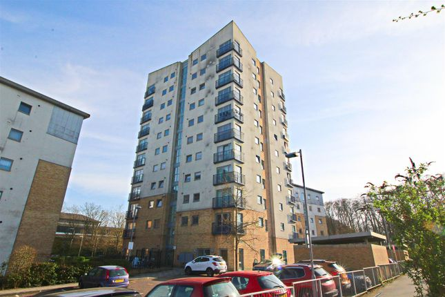 Thumbnail Flat for sale in Priestley Road, Basingstoke