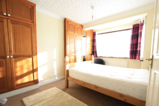 Thumbnail Terraced house to rent in Grove Rd, Mitcham