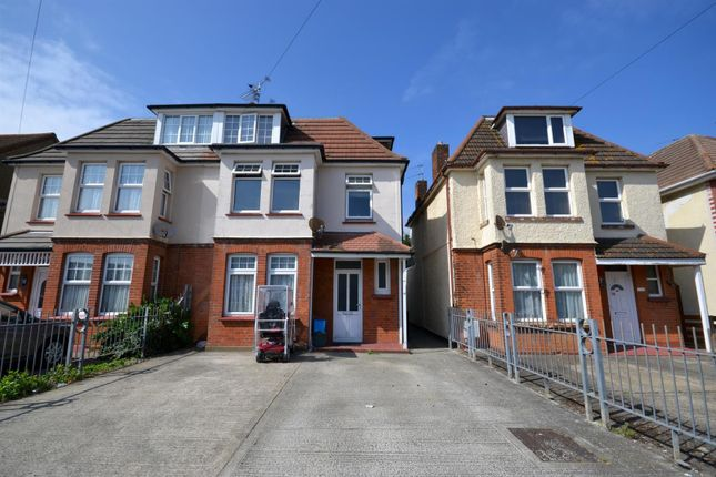 Thumbnail Maisonette for sale in West Avenue, Clacton-On-Sea
