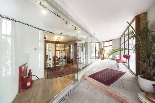 Thumbnail Property for sale in Gowers Walk, London