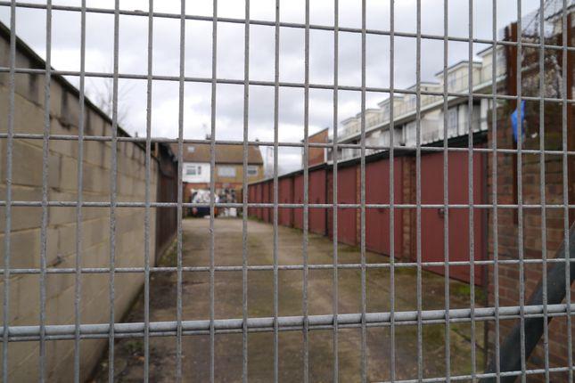 P1150047 of Garage 10, Station Parade, High Road, Leyton, London E10
