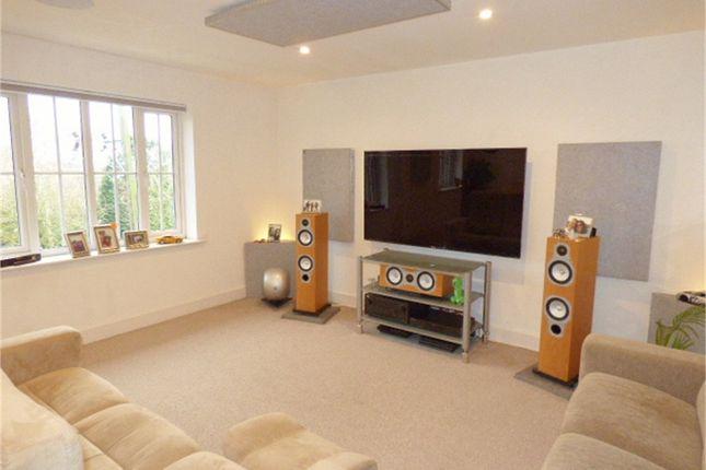 Thumbnail Flat for sale in 69 Tonbridge Road, Teston, Maidstone, Kent