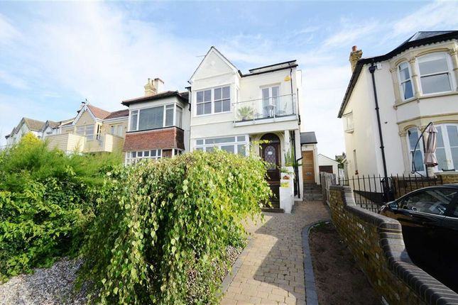 Thumbnail Flat to rent in Cliff Parade, Leigh-On-Sea, Essex