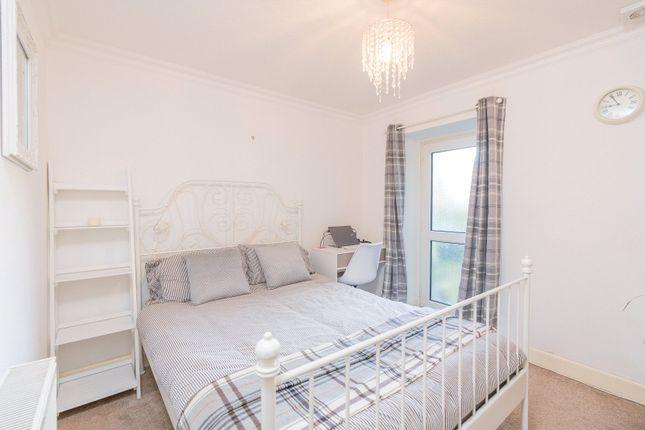 Bedroom 2 of Iona Street, Edinburgh EH6