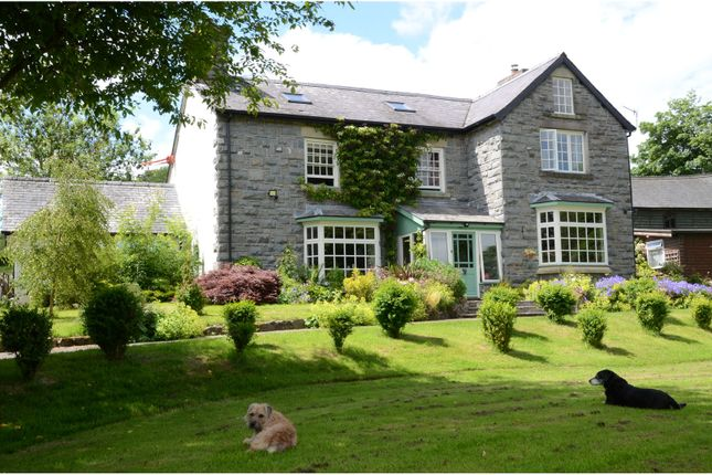 Thumbnail Country house for sale in Neuadd, Rhayader
