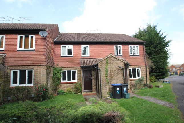 Thumbnail Flat to rent in Goldsworth Park, Woking, Surrey