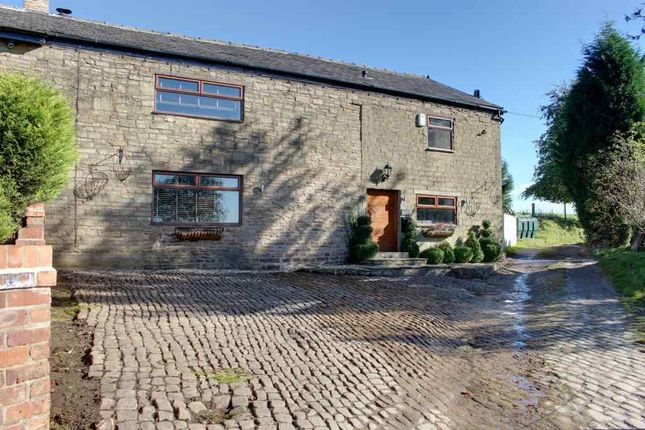 Thumbnail Barn conversion to rent in Matley Lane, Hyde