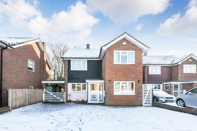 Thumbnail Detached house to rent in Lodge Close, Chigwell
