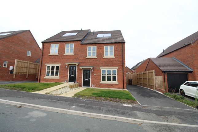 3 bed semi-detached house to rent in Brook Street, Castleford, West Yorkshire WF10