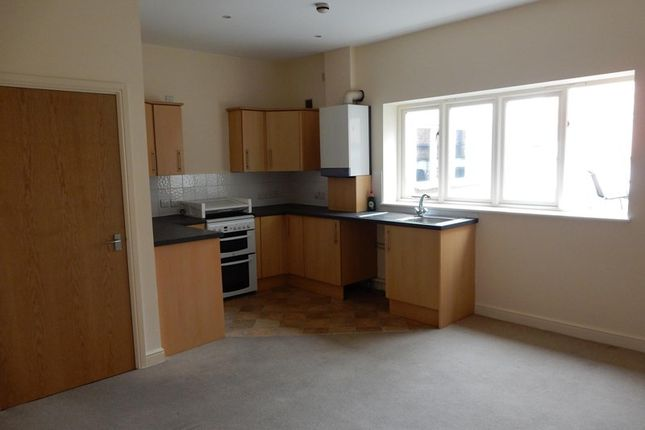 Thumbnail Flat to rent in High Street, Whitchurch