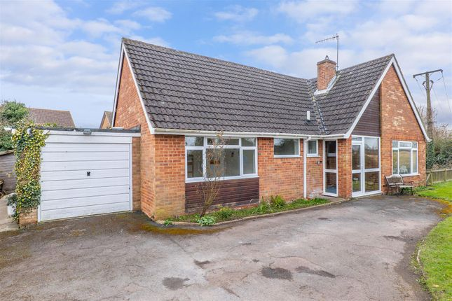 3 bed detached bungalow for sale in Burnell Close, Bidford-On-Avon, Alcester B50