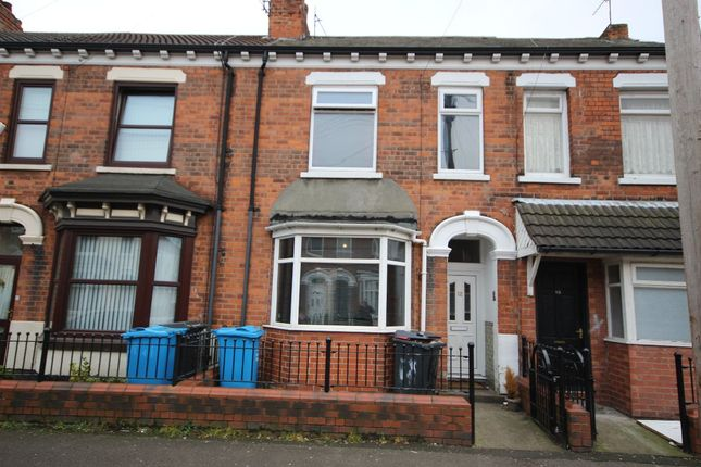 Thumbnail Terraced house for sale in Queensgate Street, Hull