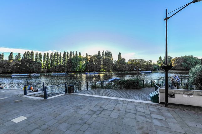 Thumbnail Flat to rent in Ravens House, Kingston Upon Thames