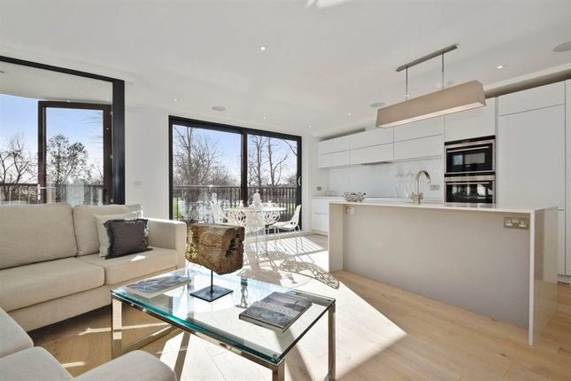 Thumbnail Flat for sale in Sandycombe Road, Kew, Richmond