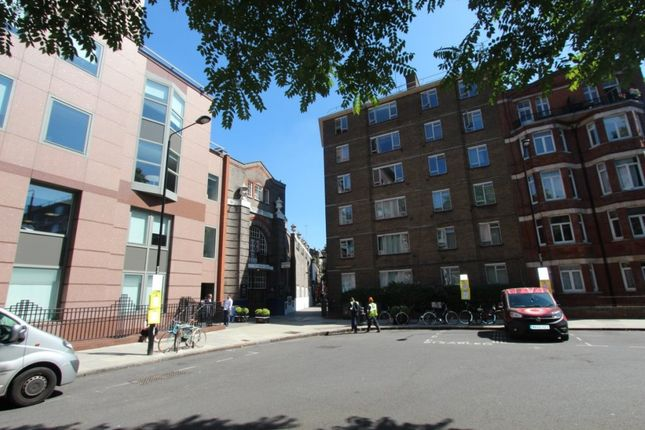 1 bed flat to rent in Red Lion Square, London