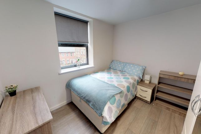 Thumbnail Flat to rent in 5A St Peters Close, City Centre, Sheffield