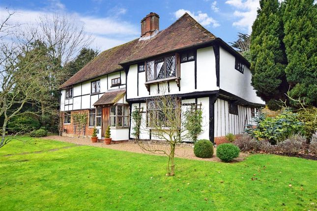4 bed detached house for sale in The Street, Hartlip, Kent ME9