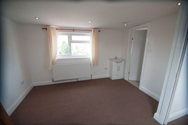 Thumbnail Studio to rent in Warner Close, Hayes