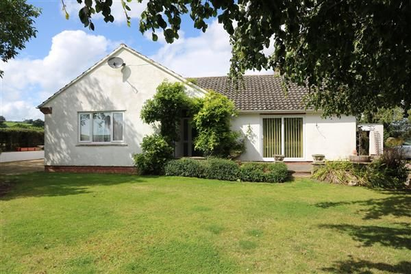 Thumbnail Detached bungalow for sale in St Weonards, Marbern, Herefordshire
