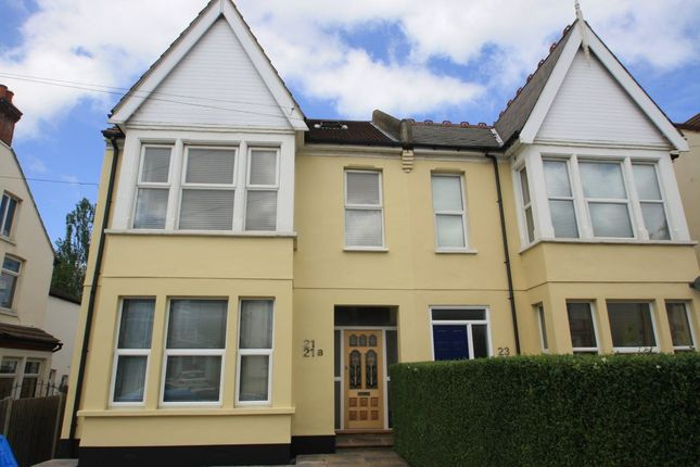 Thumbnail Flat to rent in Meteor Road, Westcliff-On-Sea