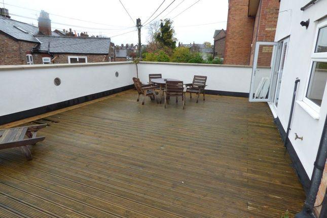 Thumbnail Flat to rent in Ashley Road, Bowdon, Altrincham