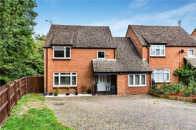 Thumbnail Link-detached house for sale in Peddlars Grove, Yateley, Hampshire