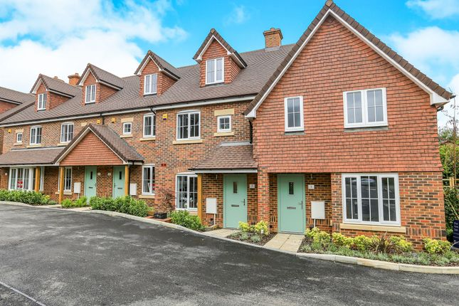 Thumbnail Terraced house for sale in Springfield Close, Salfords, Redhill