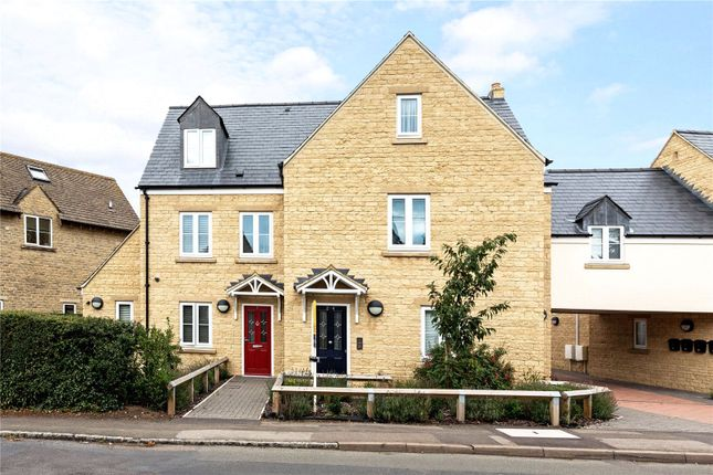Thumbnail Flat for sale in Dukes Court, 9 Shipton Road, Woodstock, Oxfordshire