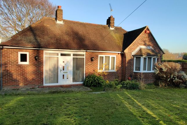 Thumbnail Bungalow to rent in Gravesend Road, Strood, Rochester