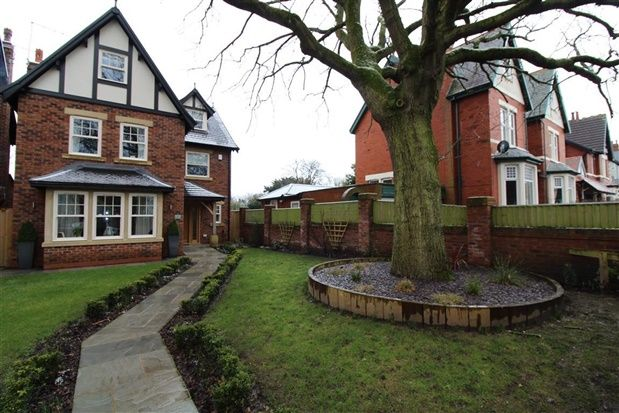Thumbnail Property for sale in Lockwood Avenue, Poulton Le Fylde