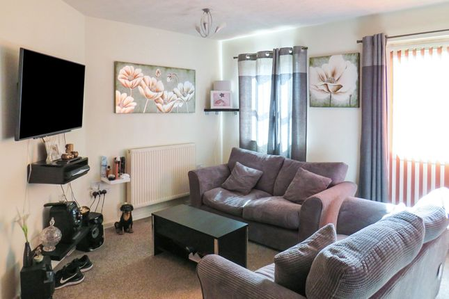 Thumbnail Flat for sale in Manorhouse Close, Walsall