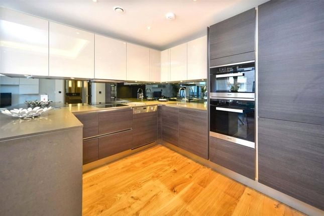 Thumbnail Flat for sale in Benjamin House, London