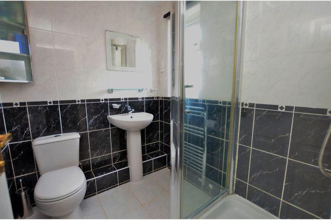 En-Suite of Wrenbury Road, Duston, Northampton NN5