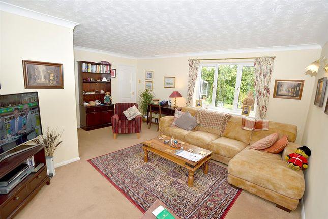 4 bedroom detached house for sale in Edgecote, Great Holm, Milton Keynes